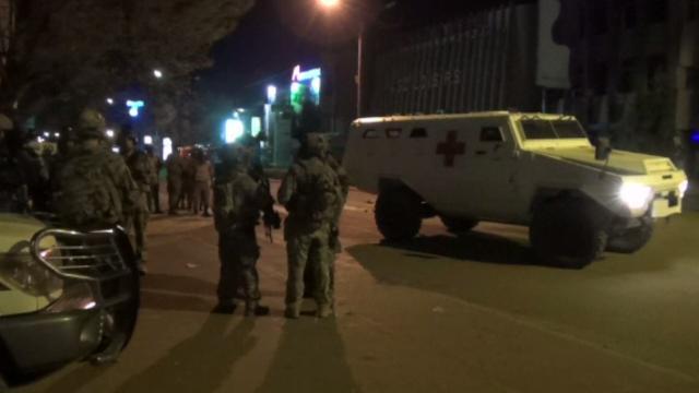 กองทัพบูร์กินาฟาโซบุกช่วยเหลือตัวประกันในโรงแรมหรู ยอดผู้เสียชีวิตเหตุโจมตี 22 คน