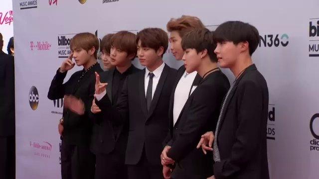 BTS เป็นศิลปินเคป็อปรายแรกที่คว้ารางวัล Billboard Music Awards