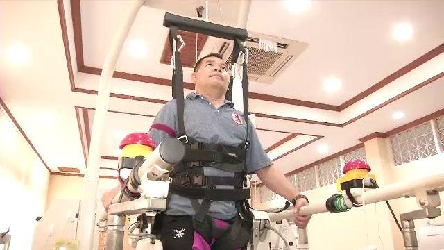 """""""โลโคแมต"""" หุ่นยนต์ฝึกเดินช่วยผู้ป่วยสมองพิการ-บาดเจ็บสันหลัง-พาร์กินสัน"""