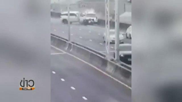 ฟอร์จูนเนอร์พุ่งชนท้ายรถจอดเสียบนทางด่วน ตาย 1