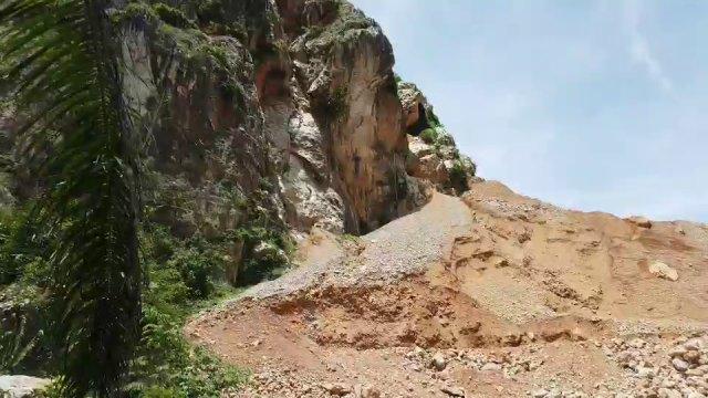 ค้านสัมปทานระเบิดภูเขา  อ.คีรีรัฐนิคม จ.สุราษฎร์ธานี